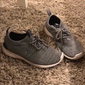 Shoes - Comfy material Nike sneakers